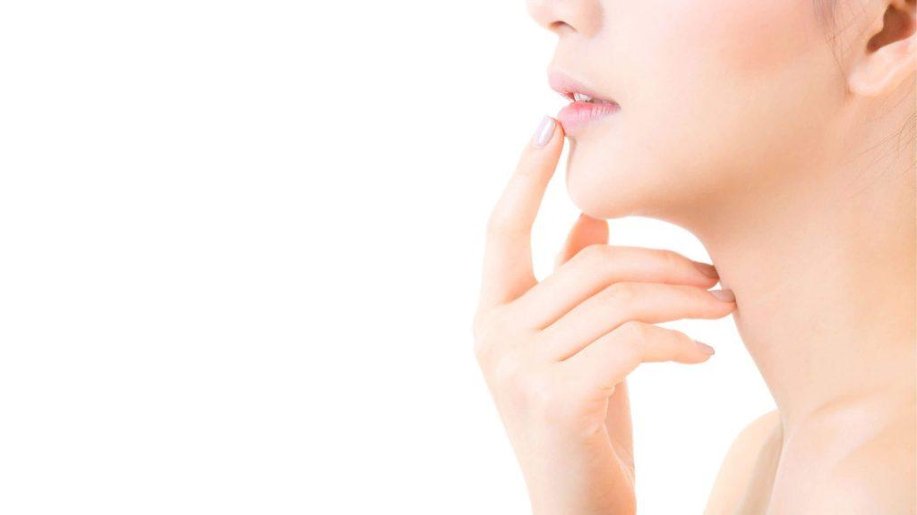 cara menjaga kelembapan wajah lembab wanita perempuan dan laki-laki pria